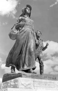 pioneerwomanstatue